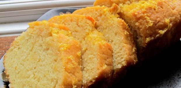 金黄色的柠檬磅蛋糕